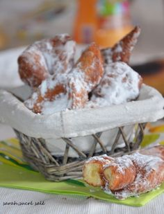 Bugnes lyonnaises extra moelleuses 100 % réussies!! Beignets, Churros, Cereal, Sweet Tooth, Cheese, Pains, Cookies, Kitchenaid, Breakfast