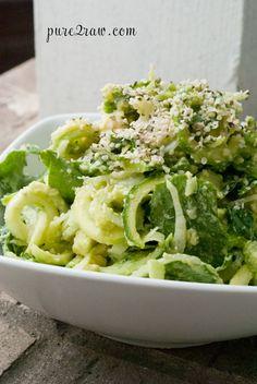 Zucchini, leek and garlic pasta