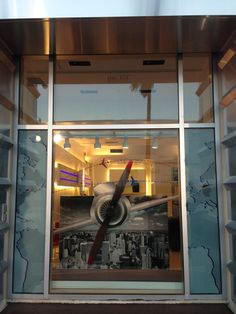 Retail Display Design – RIMOWA – Store Front Display Visual Display, Display Design, Store Design, Store Front Windows, Rimowa, Exhibition Booth, Store Displays, Coffee Shops, Store Fronts
