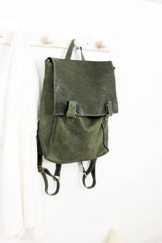 LOLA  Handmade Italian Leather backpack di LaSellerieLimited su Etsy