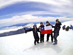 Whitson, Morelli, McCue and Heimer at the top of Volcan Villarica
