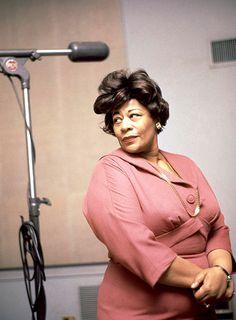 Ella Fitzgerald at Late Legend's Birthday Marked with Grammy Exhibit Ella Fitzgerald, Vintage Black Glamour, Jazz Artists, Broken Leg, Music Composers, Jazz Blues, Aretha Franklin, Iconic Women, Women In History