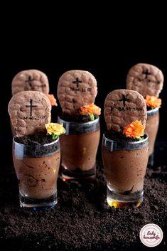 Mus czekoladowy czyli nagrobki na Halloween - Lady housewife Halloween, Muffin, Appetizers, Pudding, Breakfast, Food, Morning Coffee, Appetizer, Custard Pudding
