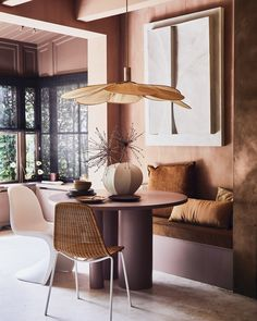 Warm Earthy Hues and Cozy Corners For A Moroccan-Style Home - The Nordroom Table And Chairs, Dining Chairs, Scandinavian Apartment, Studio Apartment Decorating, Cozy Corner, Warm Autumn, Moroccan Style, Small Apartments, White Wood