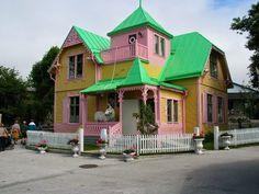 huvikumpu - Google-haku Exterior, Cabin, House Styles, Outdoor Decor, Home Decor, Houses, Google, Facades, Vibrant Hair Colors