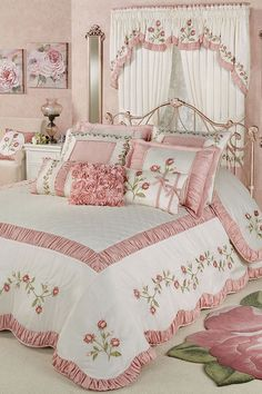 The graceful Blush Rose Floral Grande Bedspread will unfurl elegant blush pink petals in your bedroom. Oversized bedspread has a polyester faux silk face. Shabby Chic Bedrooms, Shabby Chic Homes, Shabby Chic Furniture, Shabby Chic Decor, Handmade Furniture, Pink Bedrooms, Rideaux Design, Beautiful Bedrooms, Home Design