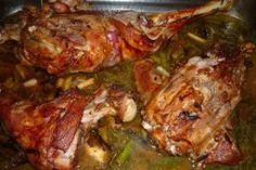 Reteta Friptura de miel in sos de vin si usturoi Carne, Chicken, Food, Honey, Essen, Meals, Yemek, Eten, Cubs
