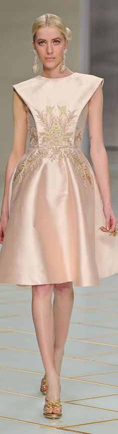 Guo Pei | Couture Spring 2016                                                                                                                                                                                 More