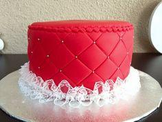 Wedding cake inspiration  Dentelle strass