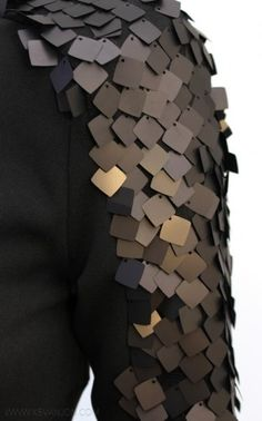 Embellished sleeve detail using oversized square sequins to create texture - sewing; modern embellishment // Kevan Jon ♦F&I♦ Couture Embroidery, Embroidery Fashion, Beaded Embroidery, Embroidery Designs, Bead Embroidery Tutorial, Couture Details, Fashion Details, Diy Fashion, Fashion Design