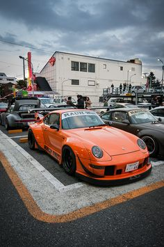 The Porsche 911 is a truly a race car you can drive on the street. It's distinctive Porsche styling is backed up by incredible race car performance. Porsche 356, Porsche Carrera, Cayman Porsche, Porsche Girl, Porsche Logo, Custom Porsche, Porsche Boxster, Slammed Cars, Rauh Welt