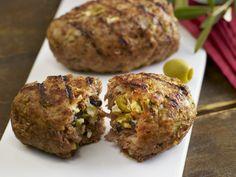 Gefüllte Buletten mit Oliven und Mozzarella | Zeit: 40 Min. | http://eatsmarter.de/rezepte/gefuellte-buletten