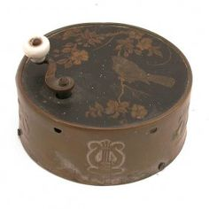 Victorian hand crank music box