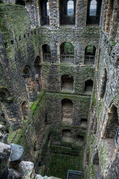 Depths The eerie interior depths of Rochester Castle, Kent, England.The eerie interior depths of Rochester Castle, Kent, England. Abandoned Castles, Abandoned Mansions, Abandoned Buildings, Abandoned Places, Abandoned Theme Parks, Mansions Homes, Beautiful Castles, Beautiful Places, Rochester Castle