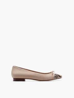 TAUPE BALLERINA WITH A CAP-TOE
