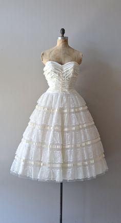 vintage wedding dress / strapless dress / Dover Cliffs dress from DearGolden on Etsy. Saved to Wedding crap. 50s Prom Dresses, Vintage Dresses 50s, Vintage Outfits, 50s Vintage, Vintage Fashion, 50s Wedding, Wedding Attire, Wedding Gowns, Wedding Stuff