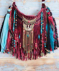 New boho style fringe purse. Hippie Style, Bohemian Style, Boho Chic, Gypsy Bag, Boho Gypsy, Hippie Boho, Fringe Purse, Fringe Bags, Embellished Purses