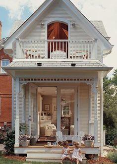 Love this tiny cottage! Love this tiny cottage! The post Love this tiny cottage! Small Cottage House Plans, Small Cottage Homes, Cute Cottage, Small Cottages, Cabins And Cottages, Tiny House Living, Small Cottage Interiors, Cottage House Designs, Small Dream Homes