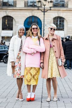 Tamu McPherson, Natalie Joos and Elisa Nalin spotted in the lace, floral and Spring '13 clutches during Paris Fashion week. #stellamccartney #psdept