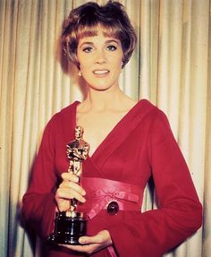 """5/5/14  8:04p  The Academy Awards  Ceremony 1965: Julie Andrews   Best Actress Oscar for  """"Mary Poppins''  1964  Did she change her Dress?"""