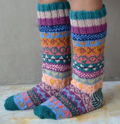 Colourful wool knit socks fair isle purple folk by TheYakery