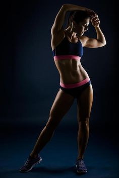 Female Form #StrongIsBeautiful #Motivation #WomenLift2 Make sure to check out my fitness tips and sexy women's athletic clothing at https://ronitaylorfit.com/