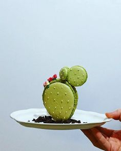 Prickly sweets ?? Macarons by @burr0w   The Fox Is Black