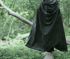 Green cloak girl or boy Narnia, Tv Anime, Elf Druid, Ella Enchanted, Wood Elf, Syaoran, Legolas, Dnd Characters, Lorde