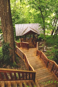 Forest Deck, The Ozarks, Arkansas. On my must see! Vacation Places, Vacation Spots, Vacation Ideas, Mountain Homes, Cabins In The Woods, Interior Exterior, Architecture, The Great Outdoors, Wonders Of The World