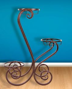 Wrought Iron Decor, Wrought Iron Gates, Homemade Outdoor Furniture, Bed Frame Design, Metal Plant Stand, Door Gate Design, Metal Working Tools, Iron Furniture, Flower Stands