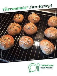 Schnelle Quarkbrötchen (ohne Gehen) auch WW freundlich ;-) von SPUKT. Ein Thermomix ® Rezept aus der Kategorie Brot & Brötchen auf www.rezeptwelt.de, der Thermomix ® Community.