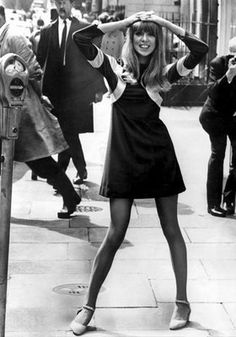 """Clothes pattie boyd 8 More - Lately I've been really interested in fashion, especially Swinging London fashion. In this post I'll focus on London fashion and I'll write about Parisian chic """"baby d… 60s And 70s Fashion, Mod Fashion, Fashion Models, Vintage Fashion, Sporty Fashion, Trendy Fashion, Winter Fashion, Retro Mode, Vintage Mode"""
