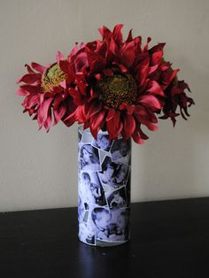 Mothers Day Keepsake Vase Tutorial. Tons of tutorials on this site.