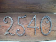 https://i.pinimg.com/236x/89/1a/39/891a3956157bd1064a4883094da64458--door-numbers-address-numbers.jpg