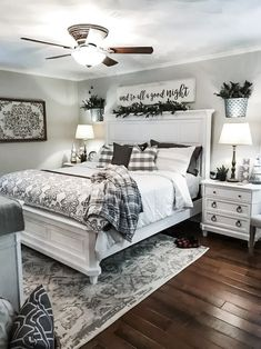 20 preiswerte Ideen im Landhausstil für die Schlafzimmerdekoration - Sie inves. 20 inexpensive country-style ideas for bedroom decoration - you invest so much energy in your room that it is a good sign to beautify it - # country style Rustic Master Bedroom, Farmhouse Bedroom Decor, Country Farmhouse Decor, Dream Bedroom, Home Bedroom, Bedroom Furniture, Bedroom Ideas, Bedroom Brown, Modern Bedroom
