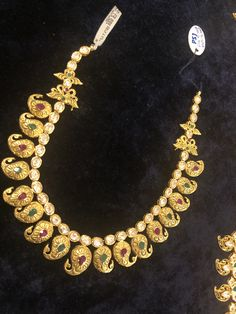 Coral Jewelry, Temple Jewellery, My Photos, Mango, Beaded Necklace, Designers, Jewelry Design, Jewels, Traditional