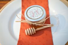 Diy honey favors
