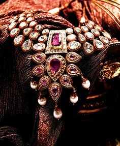Kundan with uncut diamonds necklace by Tanishq  #bridal #jewellery #temple
