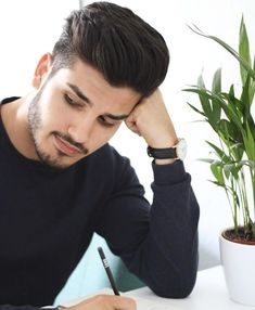 24 Amazing Latest Hairstyles & Haircuts for MEN S 2019 - Hair Styles Trendy Mens Haircuts, Cool Hairstyles For Men, Girl Haircuts, Latest Hairstyles, Hairstyles Haircuts, Indian Hairstyles Men, Hair And Beard Styles, Short Hair Styles, Hair Style For Men