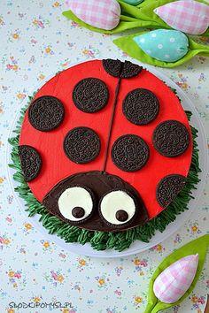 Tort biedronka. Tort z kremem czekoladowym i musem ananasowym. Baby Birthday Cakes, Cooking With Kids, Ladybug, Cake Decorating, Food And Drink, Kids Rugs, Red Velvet, Creative, Cupcake