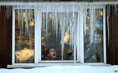 [Article] 14 low-tech ways to keep your house warm over the winter, By Tom Heyden, BBC News Magazine, 31 October 2013. ~How practical do you think these ideas would be in your home?