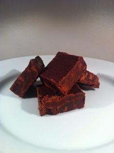 Offrez des caramels mous au chocolat, à la crème fraîche, faits maison pour Noël. De précieuses  confiseries à offrir, des friandises pour...