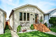 4212 N Ottawa Ave , Norridge, Illinois 60706 MLS #09234987 $295,000 Fabulous, completely remodeled starter home in Norridge, IL under 300K! Open and bright kitchen with ss appliances, granite counter top, island, and glass back splash. Living room with engineered gleaming hardwood floor. This great buy is move-in ready! #NewHome #RealEstate #StarterHome