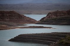 Water level at Lake Mead, Nev