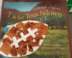 Perfect book & craft for a football theme in the Fall! Just have kids glue brown tissue paper to a football shape cut out of a paper plate, and then help them glue on the stitching! Preschool Projects, Daycare Crafts, Classroom Crafts, Preschool Crafts, Football Crafts, Football Themes, Summer Crafts For Toddlers, Toddler Crafts, Autumn Activities