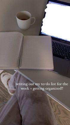 Creative Instagram Stories, Instagram Story Ideas, Mode Poster, Work Motivation, College Motivation, Healthy Lifestyle Motivation, Study Organization, School Study Tips, Study Hard