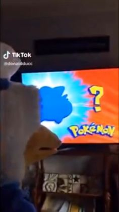 Undertale fan girls flirting Me being weird while watching pokemon Funny Video Memes, Crazy Funny Memes, Funny Short Videos, Really Funny Memes, Stupid Funny Memes, Funny Relatable Memes, Haha Funny, Hilarious, Pokemon Funny