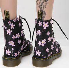 Martens Midnight Meadow Boots - Women of Edm Dr Martens Style, Red Doc Martens, Doc Martens Outfit, Doc Martens Boots, Dr. Martens, Jordan Shoes Girls, Girls Shoes, Black Combat Boots, Cute Heels