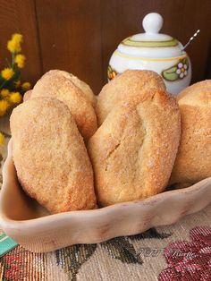 Biscottoni al vino bianco Biscotti, Bread, Cookies, Food, Crack Crackers, Brot, Biscuits, Essen, Baking