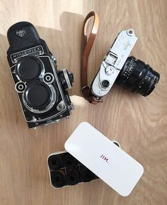 What are you shooting with this weekend? This a super combo from @jimmarsdenphotography. Actually some would argue a Rolleiflex and Leica M2 is the IDEAL kit. There are no rules with this though as it all depends what works for you. Judging off Jim's results these obviously work very well for him.  #cameracult #rolleiflex #leica #leicam2 #rangefinder #tlr #mediumformat #35mmfilm #filmcamera #cameragear #cameraporn #analog #shootfilm #filmisnotdead